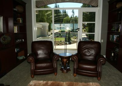 Private home office with individual leather seats